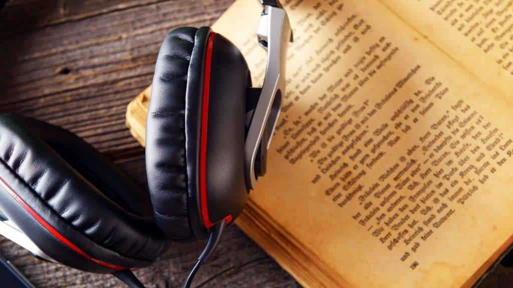 در زمان مطالعه به موسیقی گوش کنیم؟